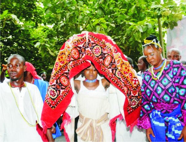 African Roots: Arugba Osun Osogbo