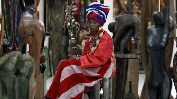 Artscene: Nike Okundaye – From Kogi With Arts